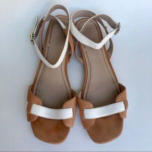 Elizabeth and James Paige Ankle Strap Sandals 9.5